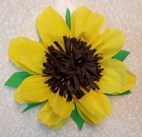 Große Sonnenblume aus Krepp-Papier