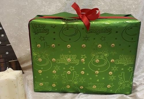 Ein Päckchen für dich – Adventskalender mit Papprollen