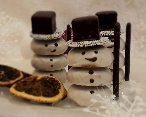 Süße Schneemänner zu Nikolaus