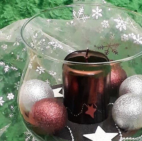 Schnelle Deko – Christbaumkugeln im Glas