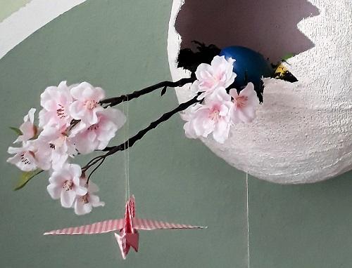 Großes Ei aus Gipsbinden – Dekoration im Frühling