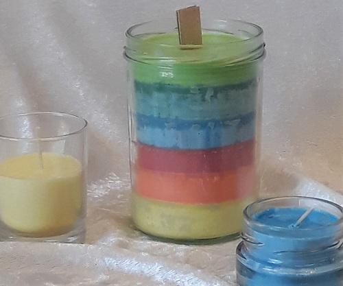Kerzengießen mit Sojawachs: Regenbogenkerze
