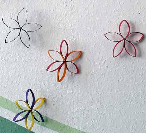 Frühlingsdeko basteln: Blumen aus Papprollen