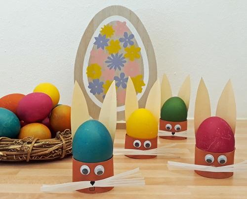 Lustige Eierbecher aus Papprollen